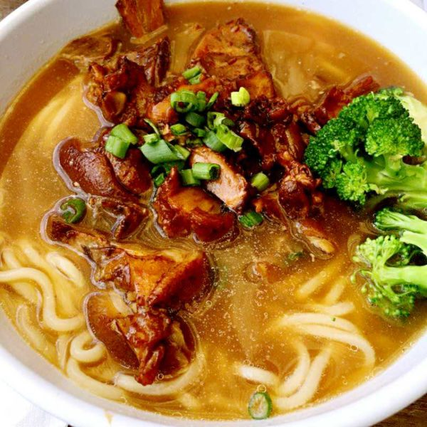 chinese-food-pork-noodle-soup